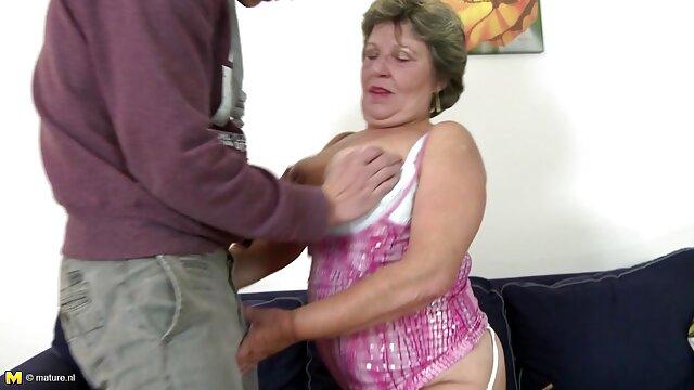 免费入场粘Pop 妈妈女同性恋视频